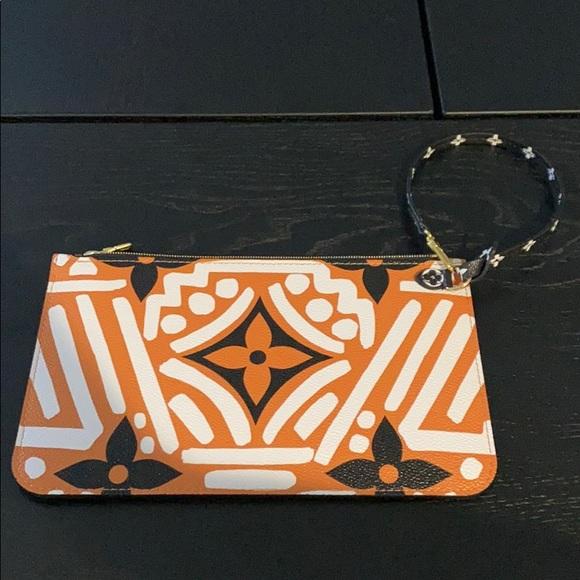 Louis Vuitton Handbags - NWT Limited Edition Louis Vuitton Crafty Pochette